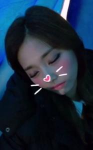ツウィ 可愛い 寝顔