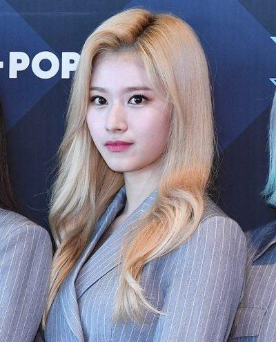 サナ twice 髪色